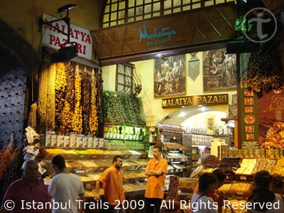 Video of the Egyptian or Spice Bazaar in Istanbul, Turkey